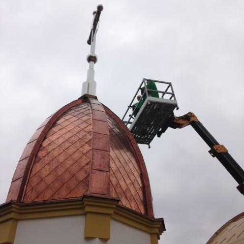 Poswięcenie krzyża głównej kopuły świątyni - 13.09.2015 r.