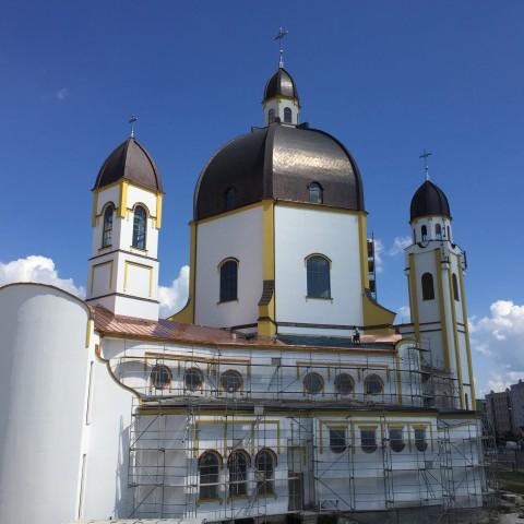 Budowa kościoła - 2018 (Dokończono prace przy elewacji i pokryto pozostałe powierzchnie dachu blachą miedzianą)
